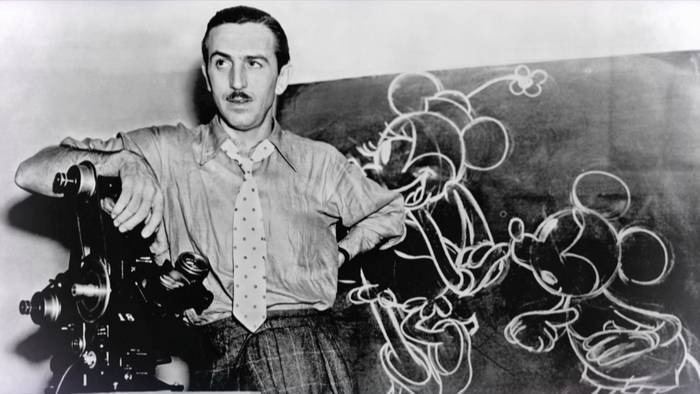 Membaca Biografi Walt Disney